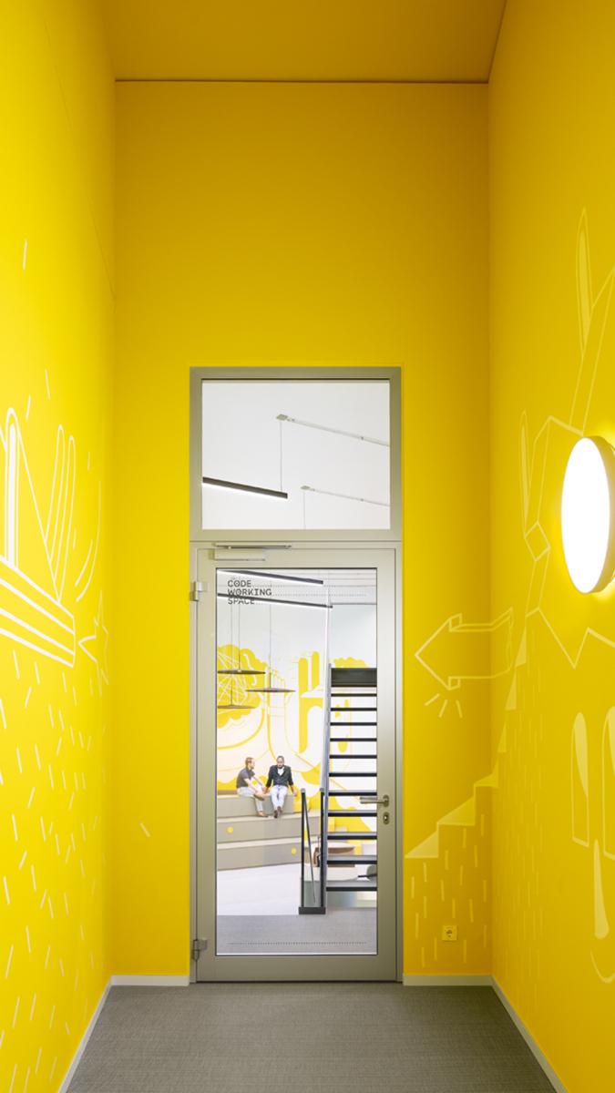Corporate-Design-Farbe Gelb.  Foto: Andreas Meichsner