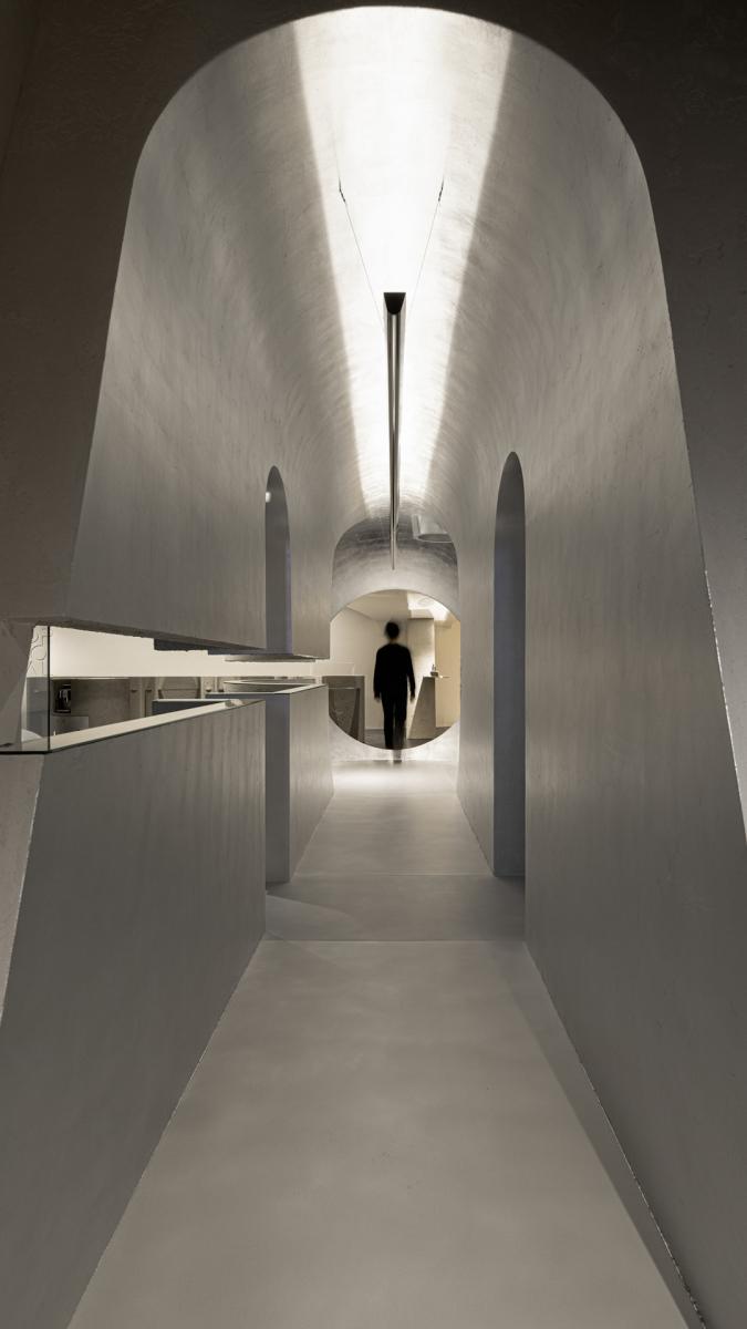Tunnel mit Silberfolie belegt. Foto: Shao Feng