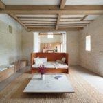 014_a_farmouse_sitting_room.jpg
