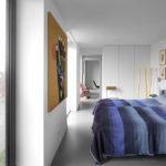 097_LR_17-Home_for_the_Arts_bedroom-i29.jpg