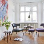 Designer-Sessel mit Hocker und Beistelltisch, Augmented-Reality-Anwendung