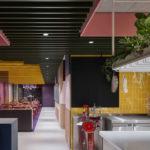 Farbspiel im Restaurant La Visione