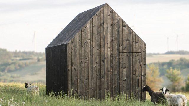 Holzverkohlung, Architekturstudent, Alexander Thumann, Schafstall, Archetyp, Holzhütte