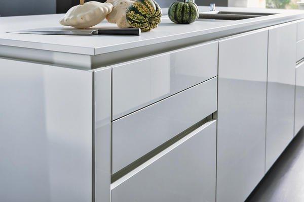 leicht grifflose fronten md mag. Black Bedroom Furniture Sets. Home Design Ideas