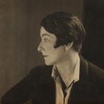 Here We Are! Frauen im Design 1900 – heute Berenice_Abbott_Photograph_of_Eileen_Gray,_1927,_NMIEG:2003.569,_Eileen_Gray_Collection_II