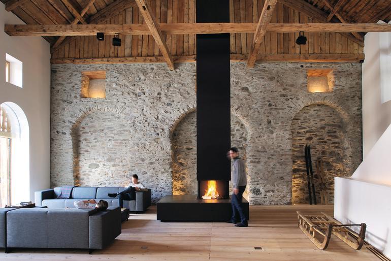 sanierung und umbau haus tschlin unterengadin von voellmy schmidlin privileg der einfachheit. Black Bedroom Furniture Sets. Home Design Ideas