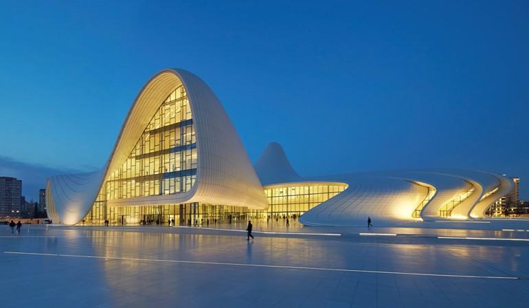Das Von Zaha Hadid Architects Entworfene Kulturzentrum In Baku
