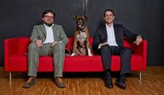Ingo Zirngibl (links) und Prof. Thomas Hundt erhielten 1996 ihr Diplom für Architektur an der Universität in Stuttgart. Nach kurzer freier Mitarbeit bei CPS, gründeten sie 1998 die Kreativagentur jangled nerves. Foto: Uwe Ditz