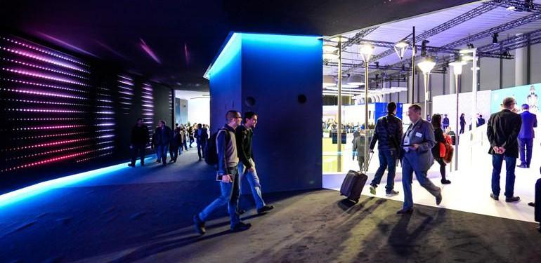 Aussteller wie Philips zeigten auf der Light + Building Lösungen zur Digitalisierung und Vernetzung von Beleuchtung. Foto: Pietro Sutera