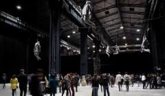 'Architecture as art' im Pirelli HangarBicocca. Kunst, Architektur und ihre Beziehung zueinander. Pierluigi Nicolin (Konzept & Leitung) lud Architekten weltweit zur Teilnahme ein, unter anderem Studio Mumbai. Foto: Lorenzo Palmieri