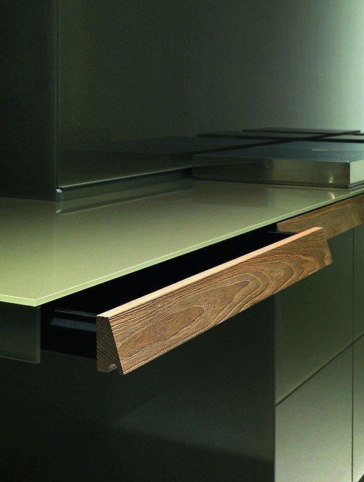 schublade unter arbeitsplatte montieren wohn design. Black Bedroom Furniture Sets. Home Design Ideas