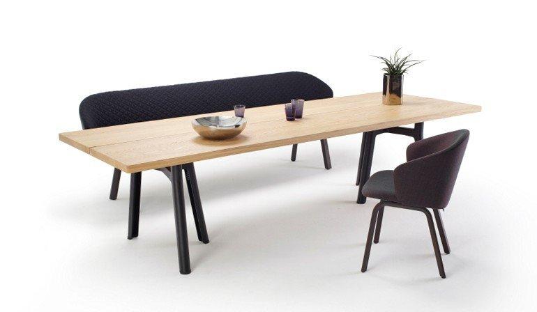 Die Möbelfamilie Ist Für Den Outdoor Einsatz Geeignet Und Bestandteil Der  Von Sebastian Herkner Entworfenen Salsa Kollektion.