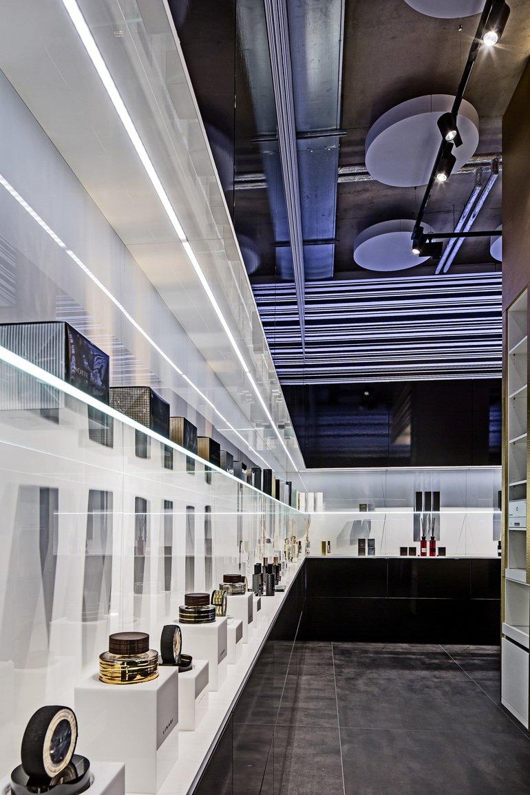 linari flagship store in hamburg shopdesign f r alle sinne md mag. Black Bedroom Furniture Sets. Home Design Ideas