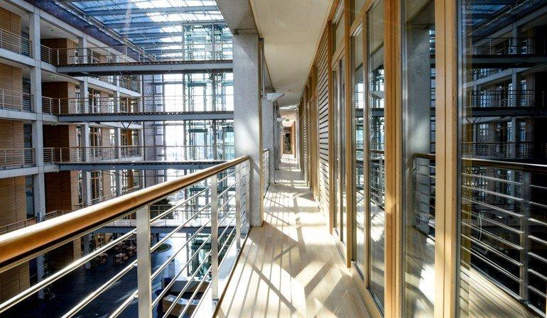 Ehemalige Alltours Zentrale Wird Sitz Der Volksbank Rhein Ruhr