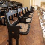 Klappsitze in Konzertsaal