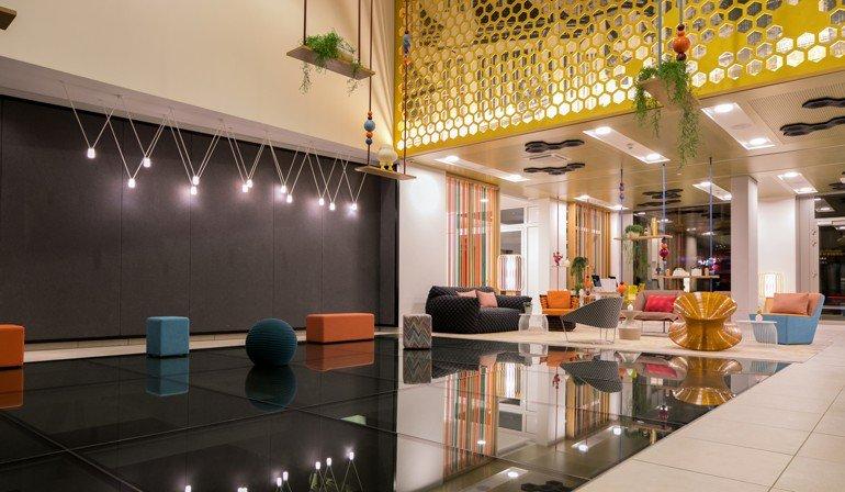 in berlin mitte liegt das neue designhotel capri by fraser thema layers of history md mag. Black Bedroom Furniture Sets. Home Design Ideas
