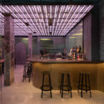Bar mit Bronze-Theke im Restaurant Momenti in Shanghai