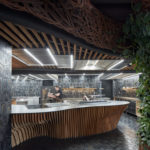 Offene Restaurantküche, Komplits_Steak_Restaurant_Boysplaynice_07.jpg