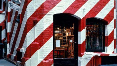 Alltagsgegenstände im ersten Magazin-Laden in Stuttgart, gegründet 1971