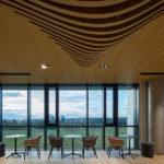 Das Work Café mit Flächen für formelle und informelle Treffen. CMC Architects