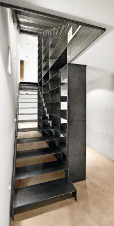 spitzbart treppen regaltreppe md mag. Black Bedroom Furniture Sets. Home Design Ideas