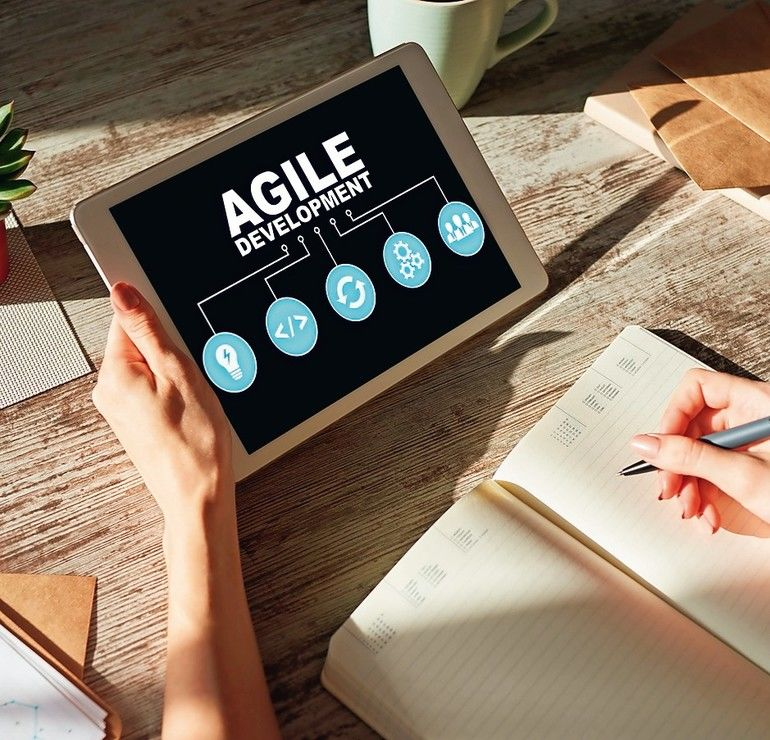 Agile_development_concept_on_the_device_screen.