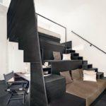 Reuter Schoger Die multifunktionale Treppe im Hotelzimmer.
