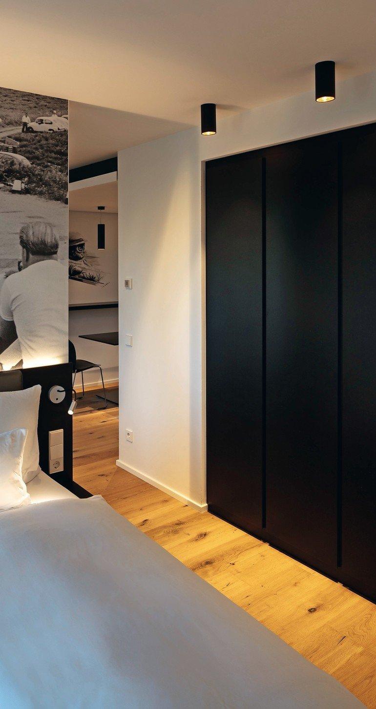 V8_Hotel