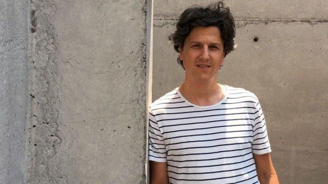 Christián Izquierdo, Holzbauweise