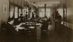 Atelier J. Hamann, Kontor Kalender Rosenberg, 1911. Silbergelatineabzug, 24,4 x 30,2 cm. Foto: © Staatsarchiv Hamburg
